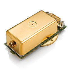連続発振個体レーザ Compass 115M 532 nm、~20 mW、小型連続発振グリーンレーザ