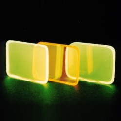 蓄光ガラス